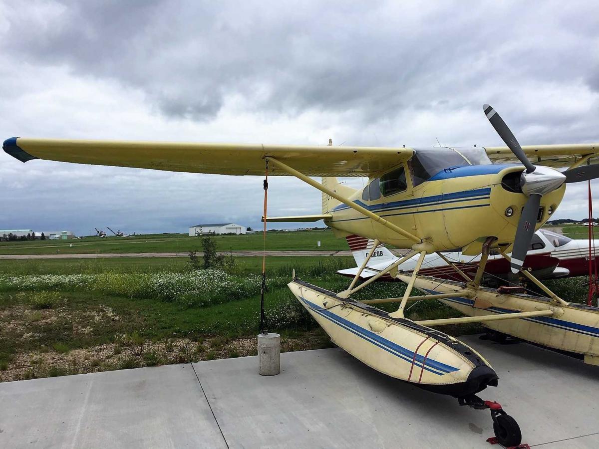 1974 Cessna 185F Amphib Photo 3