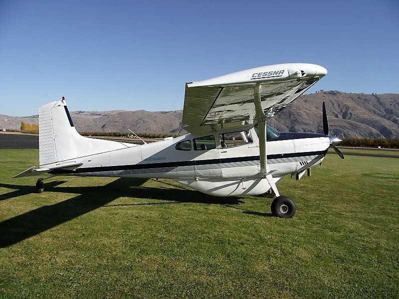 1982 Cessna 185F Photo 2