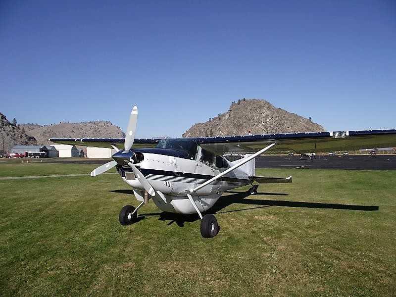 1982 Cessna 185F Photo 3