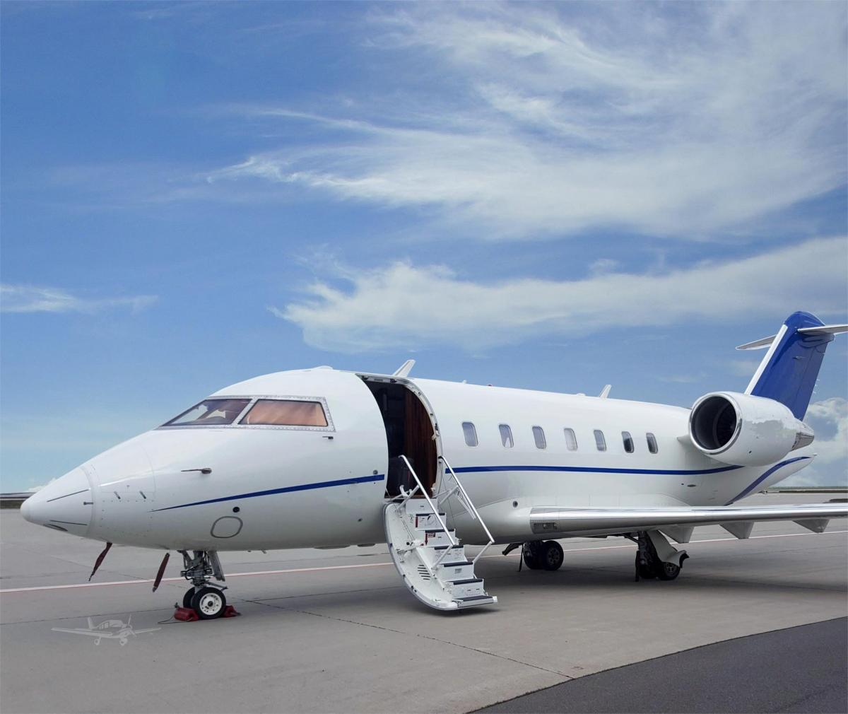 2013 BOMBARDIER/CHALLENGER 605 Photo 2