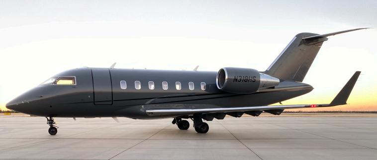2009 Bombardier Challenger 605 Photo 2