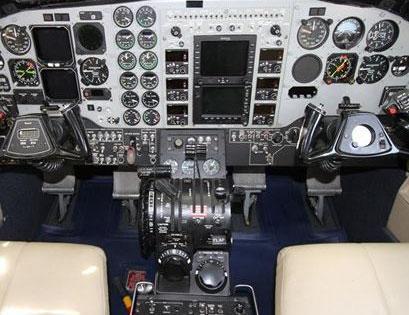 2001 Beech King Air C90B Photo 5