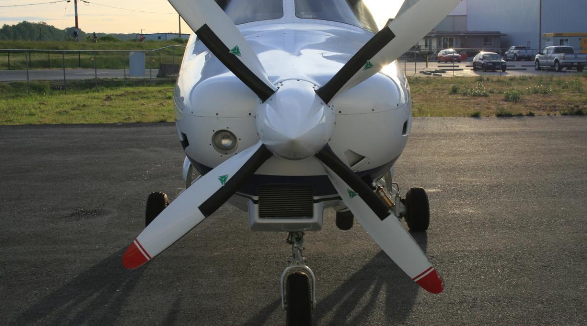 2002 Extra EA-400 Photo 4