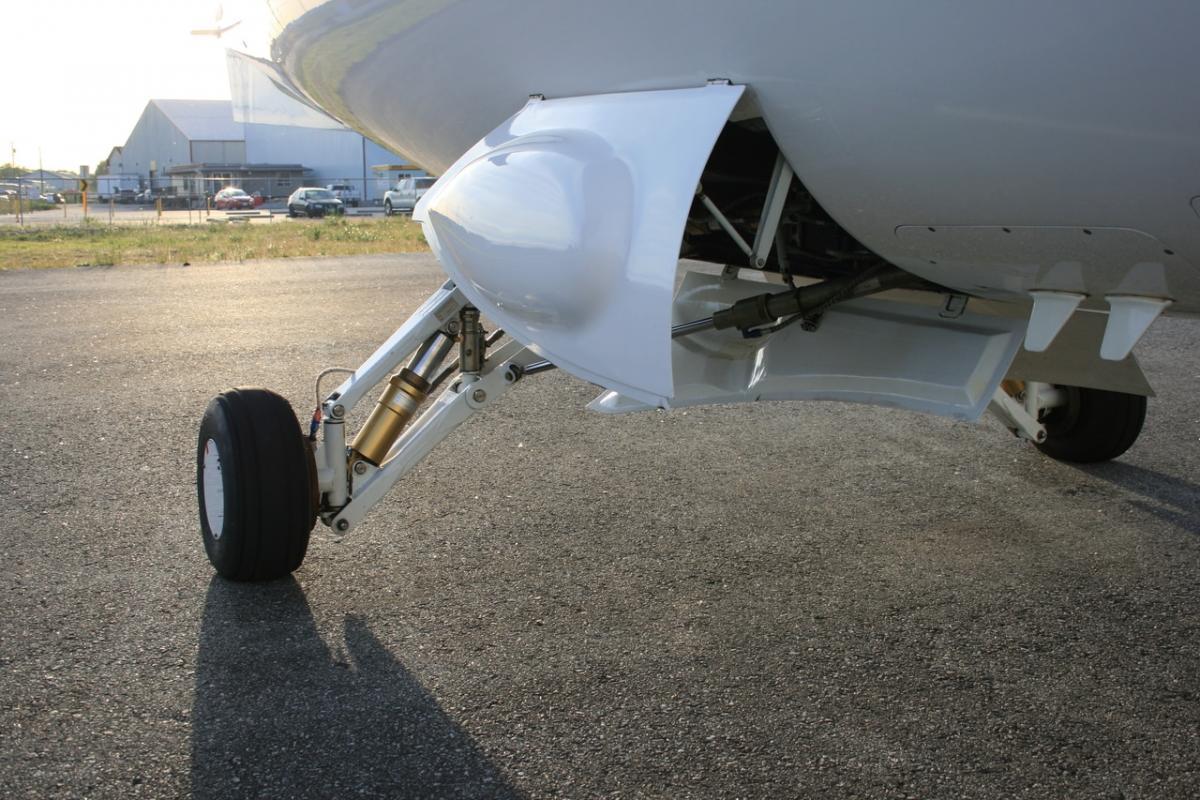 2002 Extra EA-400 Photo 6