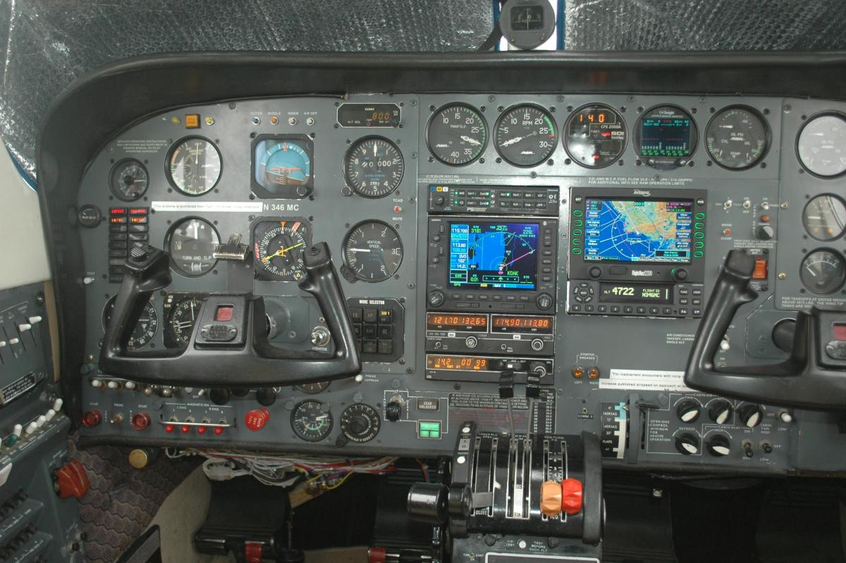 1976 Cessna 414 Photo 6