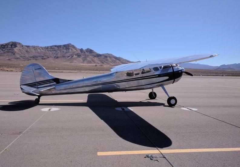 1952 Cessna 190 Photo 4