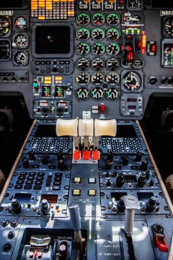 1990 Dassault Falcon 900B - Photo 14