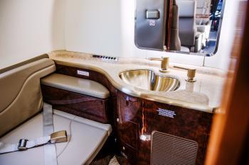 2006 Learjet 40 - Photo 12