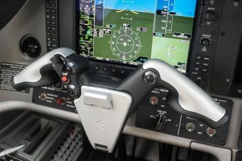 2015 Embraer Phenom 100E - Photo 22