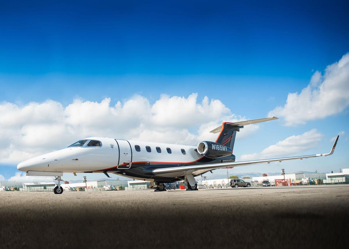 2017 Embraer Phenom 300 - Photo 1