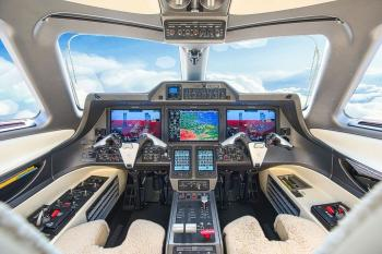 2017 Embraer Phenom 300 - Photo 16