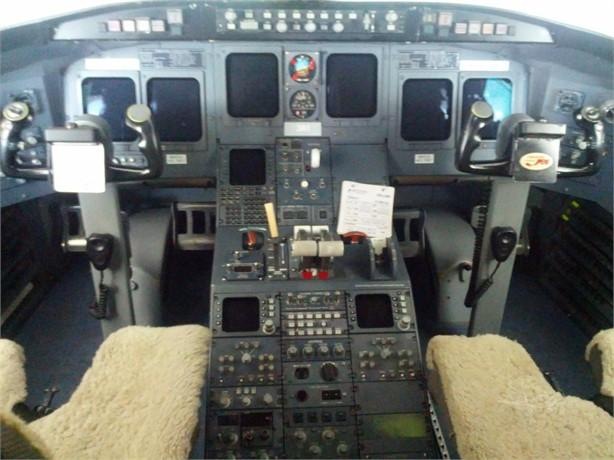 1994 BOMBARDIER/CHALLENGER CRJ-100 Photo 5
