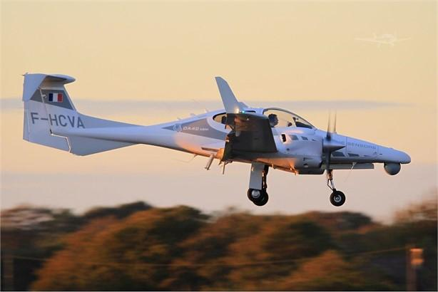 2010 DIAMOND DA42 MPP Photo 3