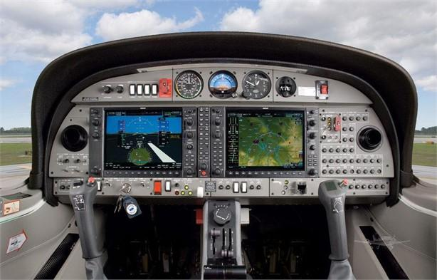 2010 DIAMOND DA42 MPP Photo 5