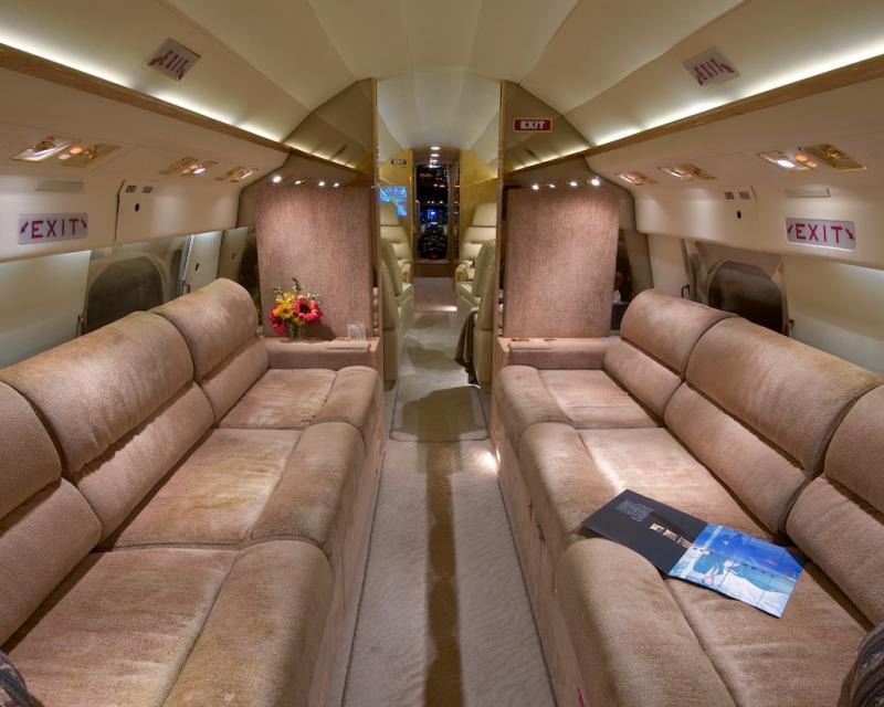 http://www.aircraftdealer.com/dealers/j/jeteffect/30158/big_DSC_1973.jpg