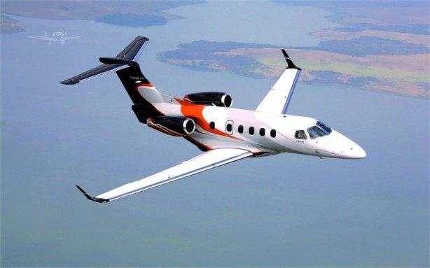 2012 EMBRAER PHENOM 300 Photo 2