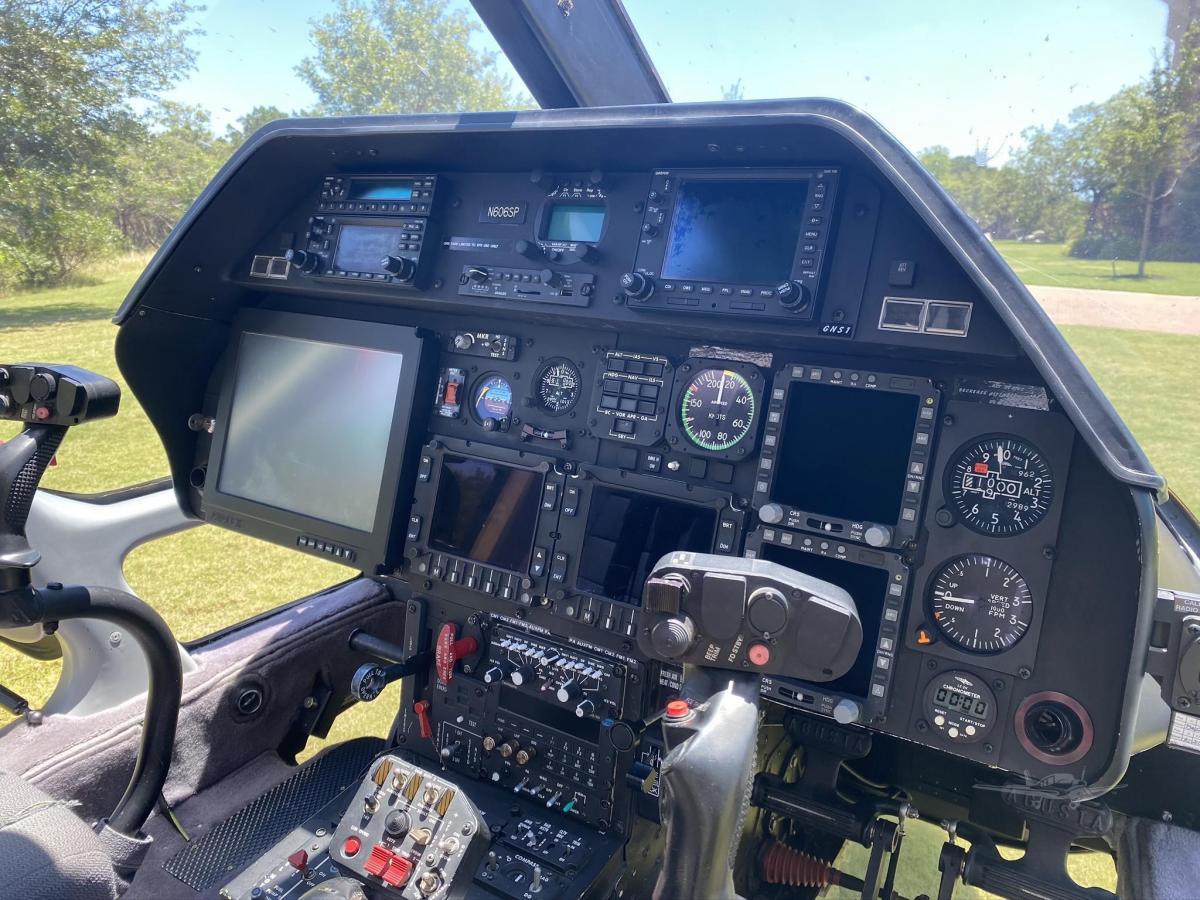 2009 AGUSTA AW109E POWER ELITE Photo 4