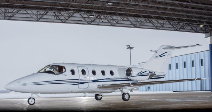 2005 Hawker 400XP - Photo 1