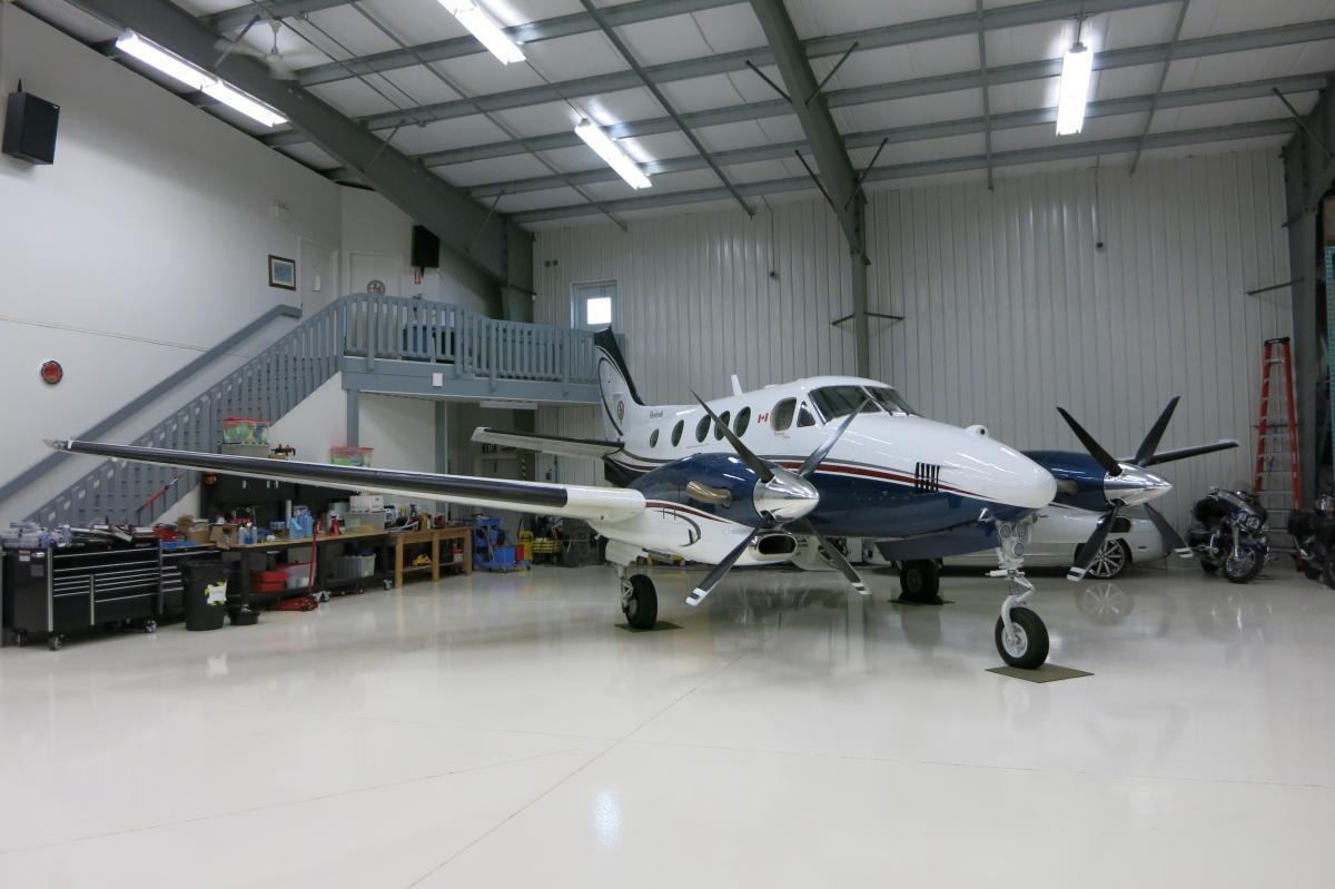 1993 Beech King Air C90B Photo 3