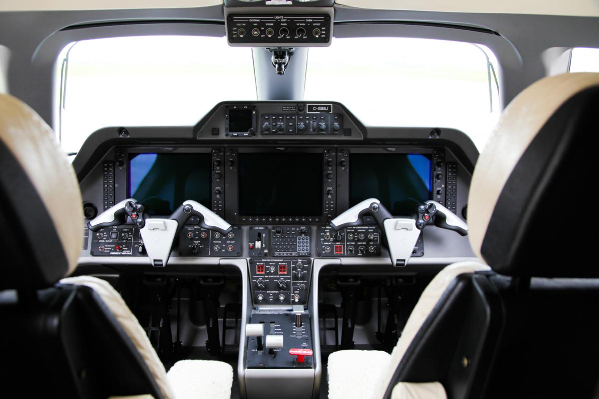 2010 Embraer Phenom 100 Photo 6