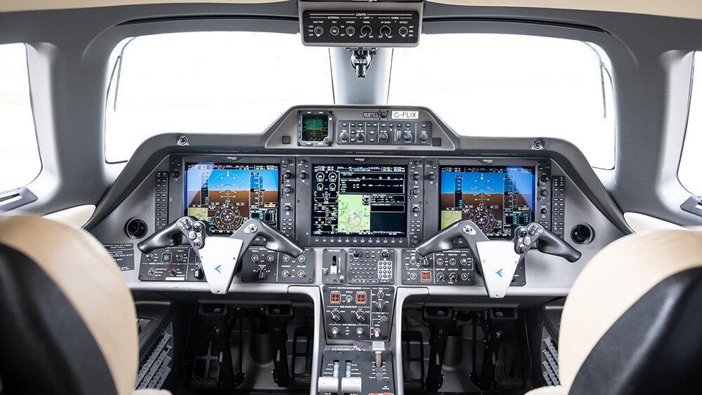 2010 Embraer Phenom 100 Photo 5