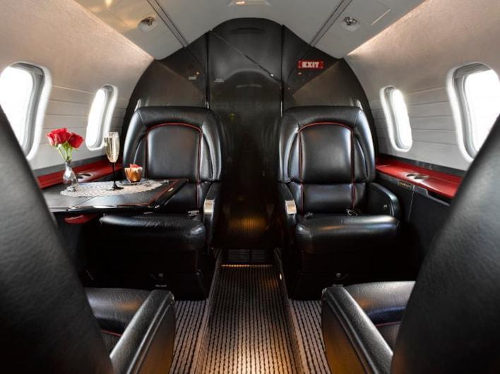 1996 Learjet 60 Photo 3