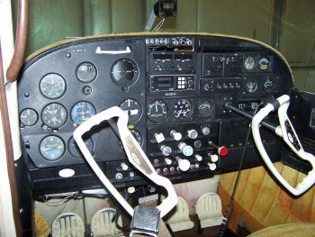 1959 Cessna 182 - Photo 3