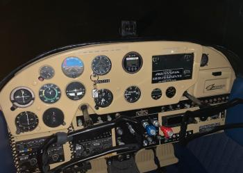 1957 Cessna 182 - Photo 2