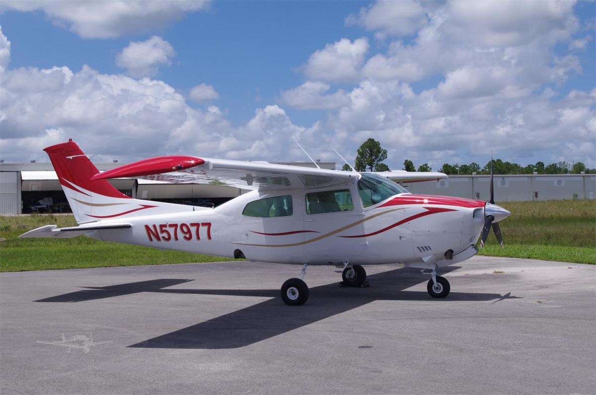 1976 CESSNA TURBO 210L  Photo 2