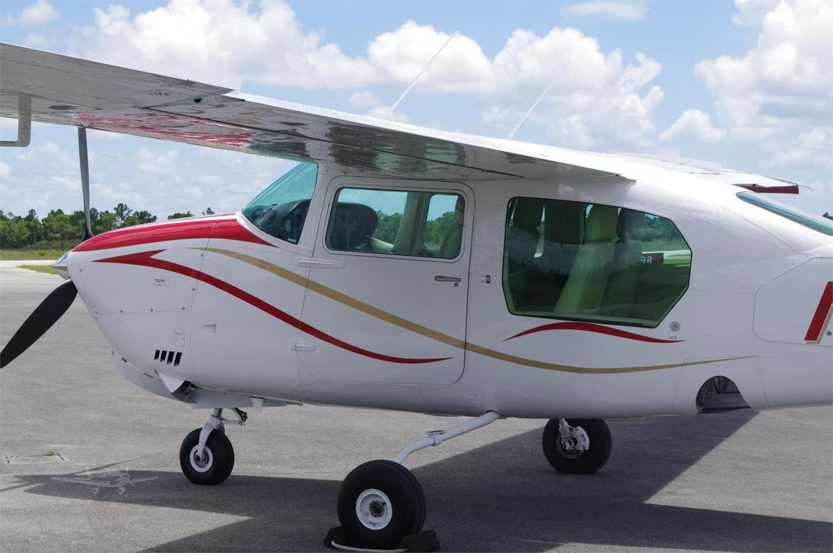 1976 CESSNA TURBO 210L  Photo 3