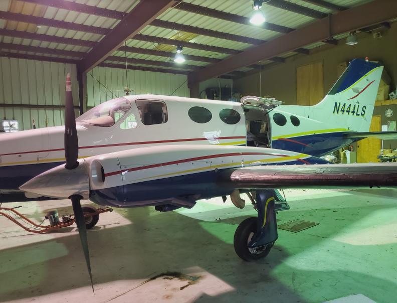 1974 Cessna 414 Photo 4