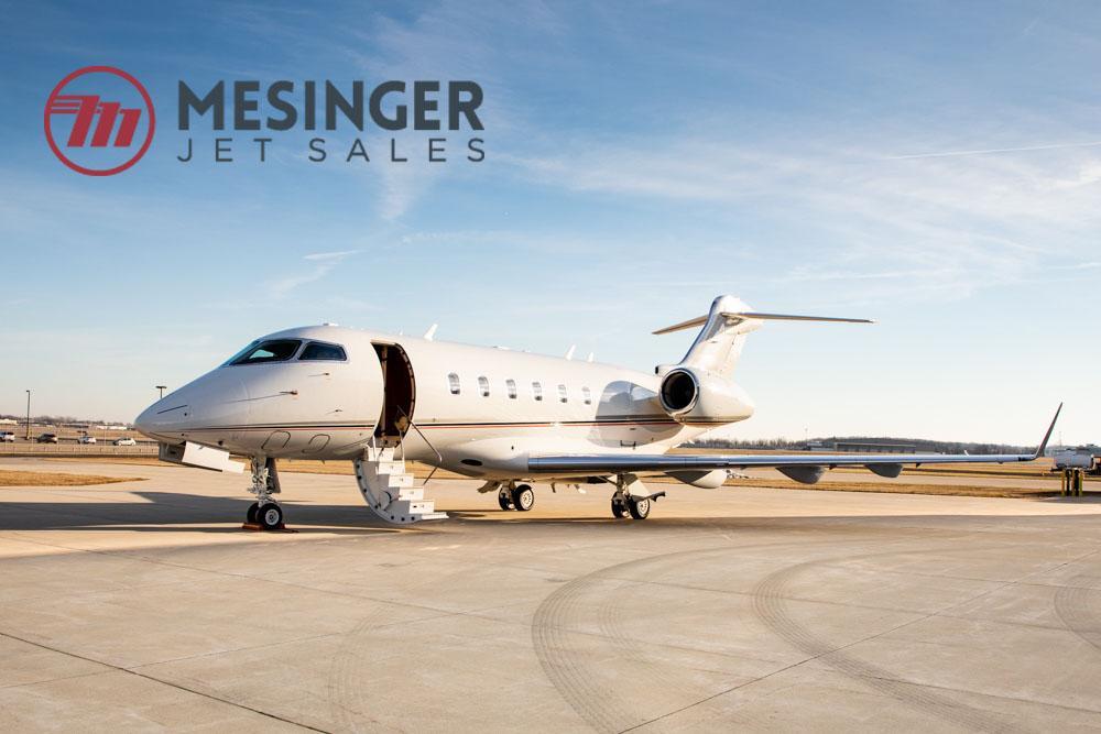 2011 Bombardier Challenger 300 - Photo 1