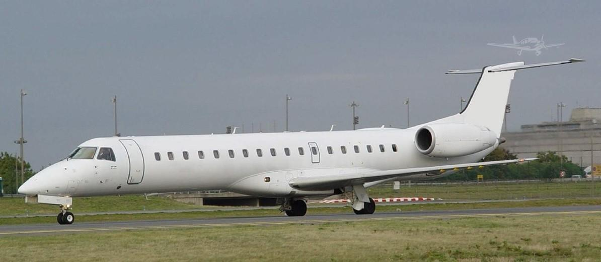 2004 EMBRAER ERJ-145LR - Photo 1