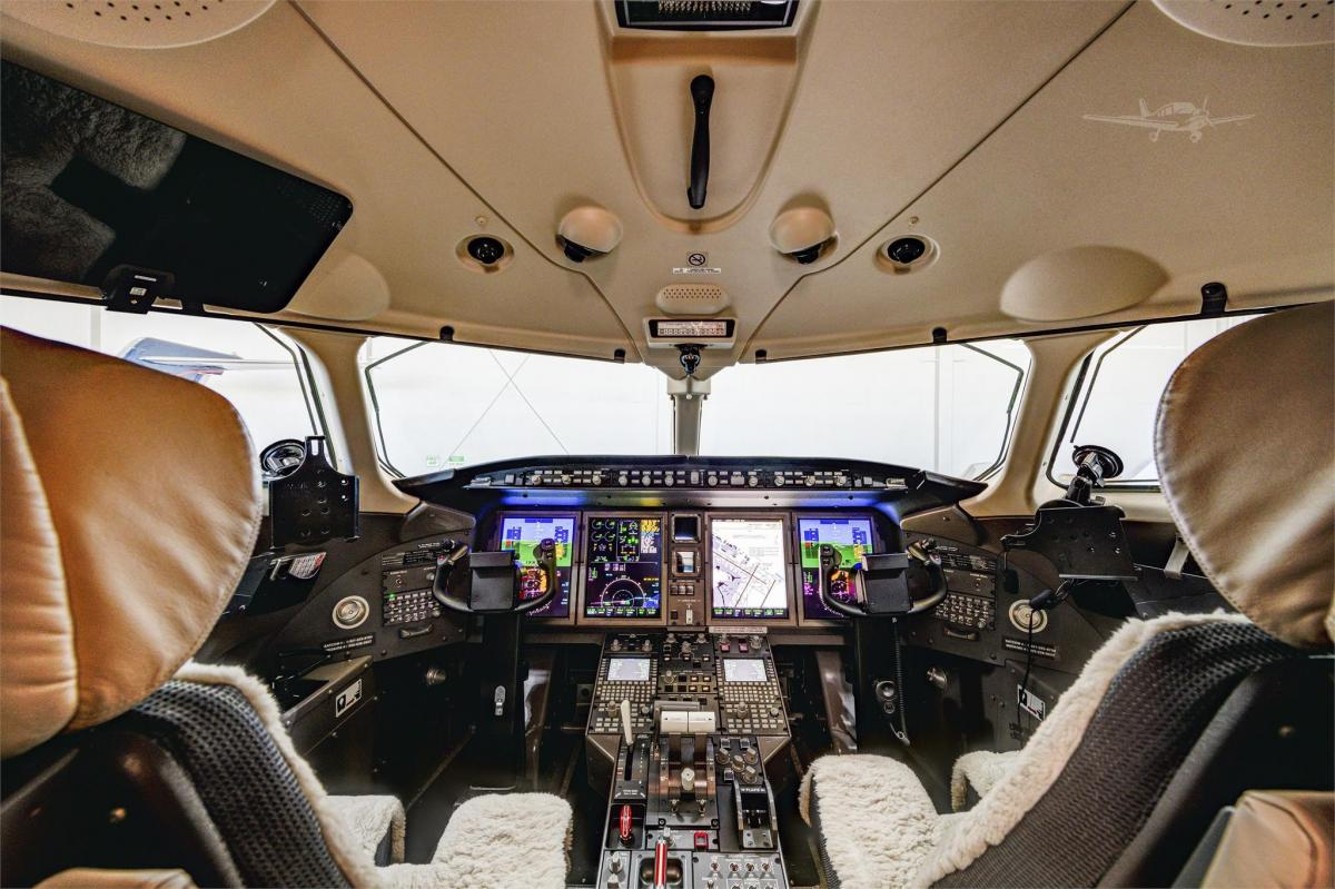 2015 BOMBARDIER/CHALLENGER 350 Photo 7