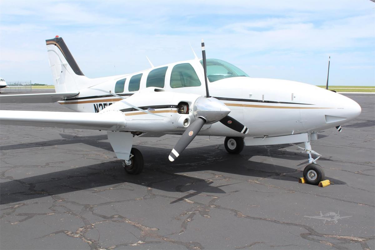1978 Beech 58 Baron Photo 2