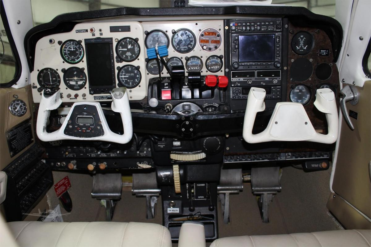 1978 Beech 58 Baron Photo 4