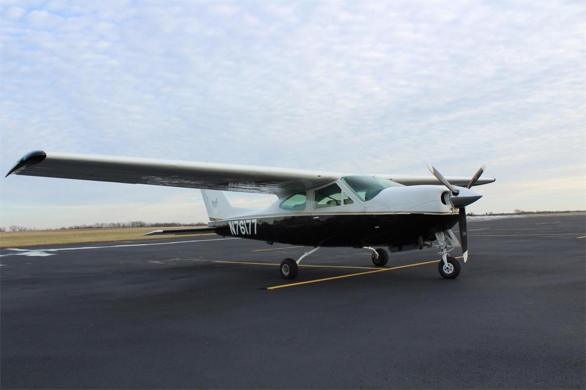1976 Cessna 177RG Photo 2