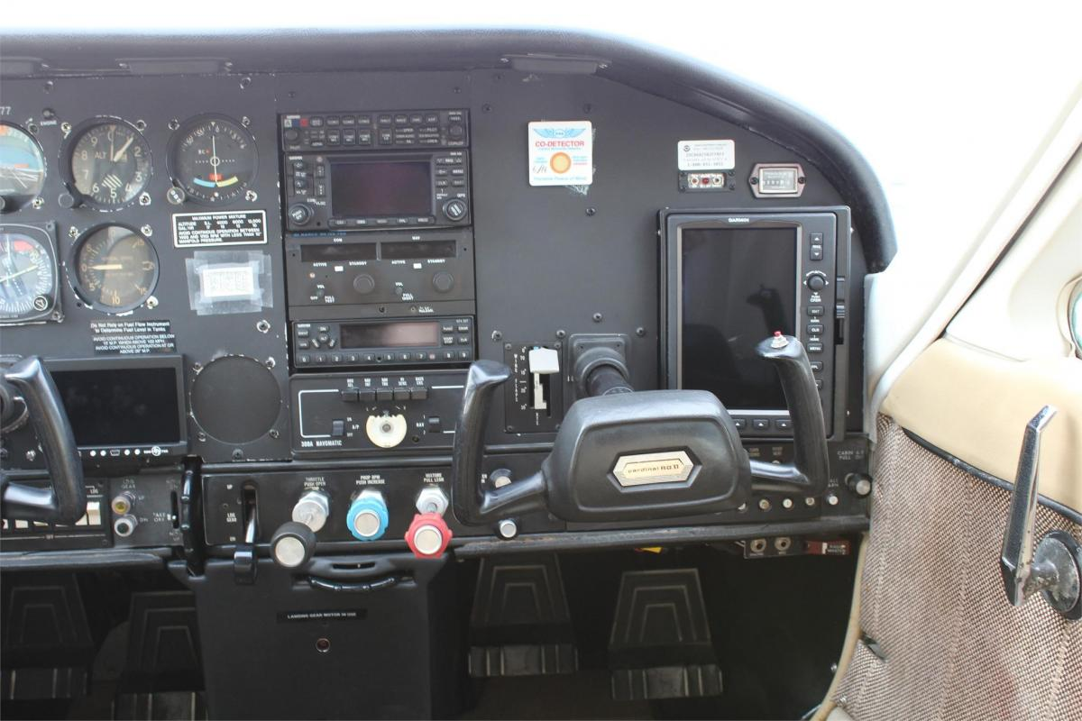 1975 Cessna 177RG Photo 4