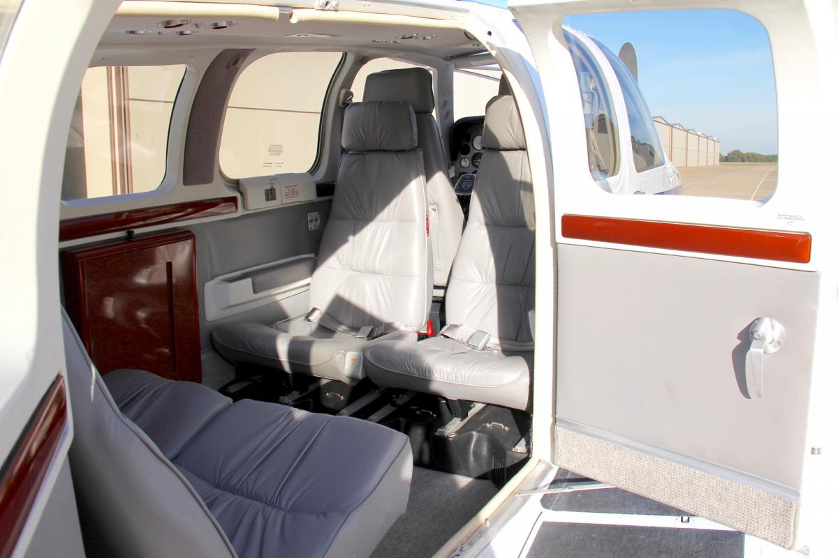 2001 Beech B36TC Bonanza Photo 3