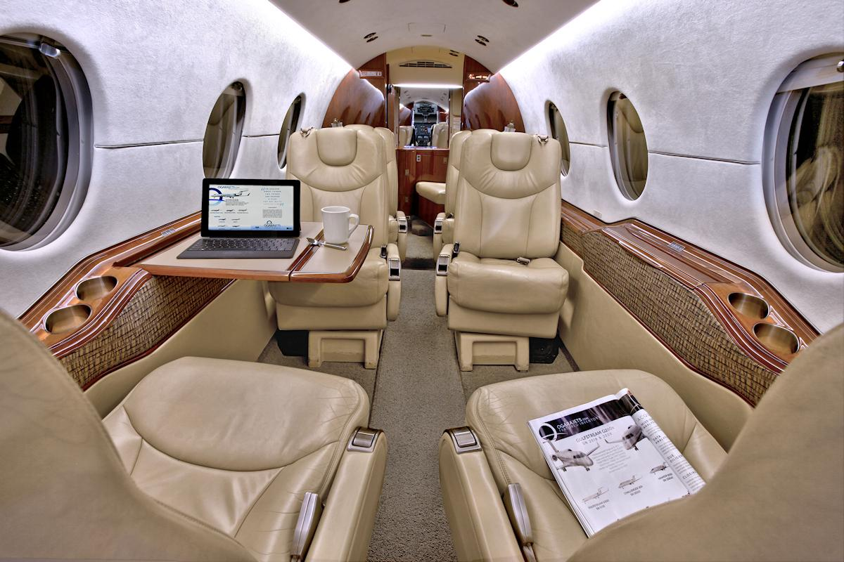 2008 Hawker 400XP Photo 3