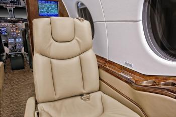 2007 Hawker 400XP - Photo 6