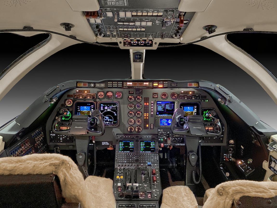 2008 Hawker 400XP Photo 5