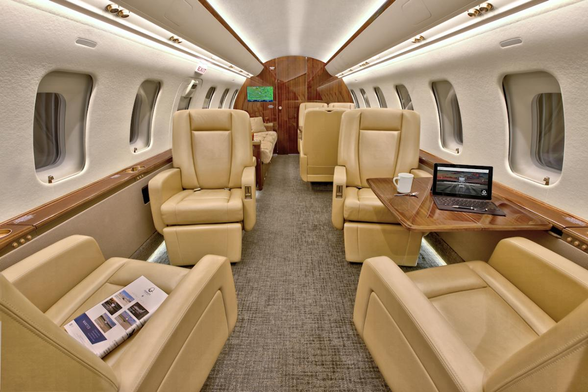 2013 Bombardier Challenger 605 Photo 3
