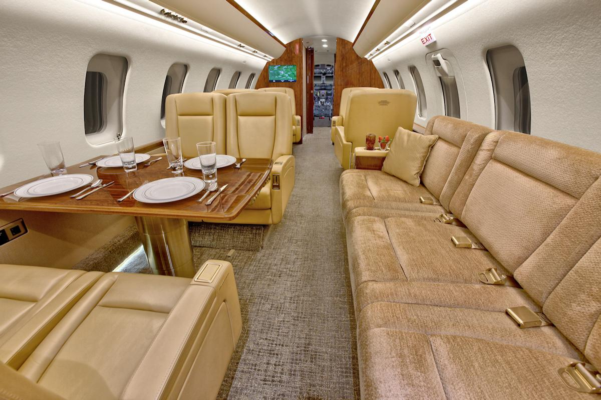 2013 Bombardier Challenger 605 Photo 4