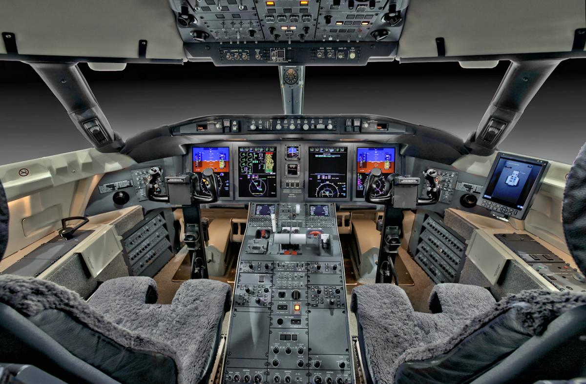 2013 Bombardier Challenger 605 Photo 5