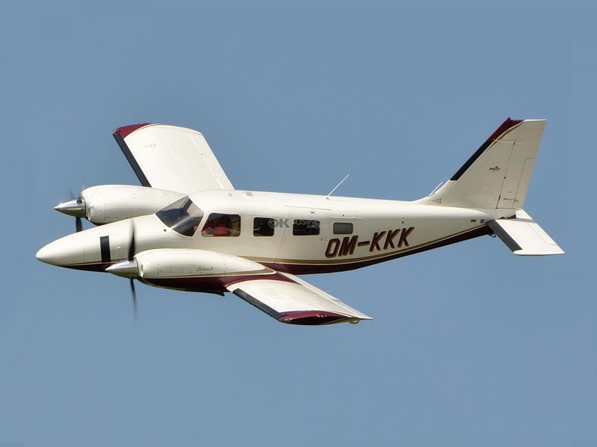 2005 PIPER SENECA V Photo 2