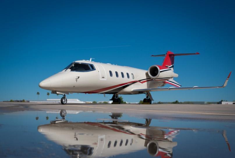 2001 Learjet 60 Photo 2