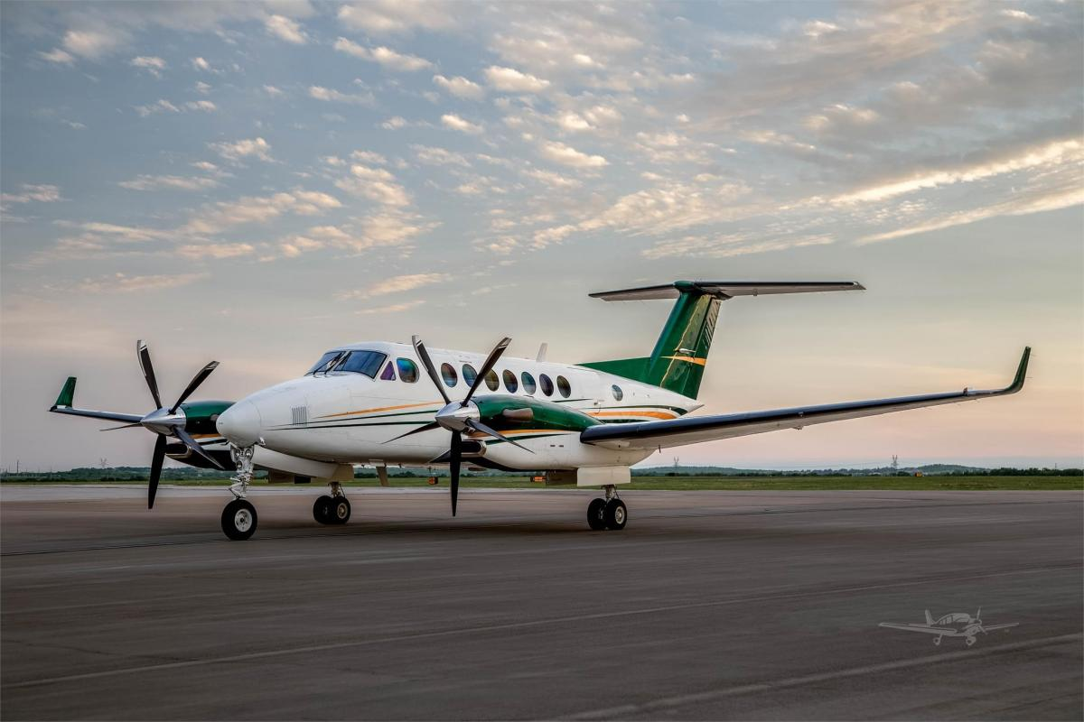 1998 BEECHCRAFT KING AIR 350 Photo 2