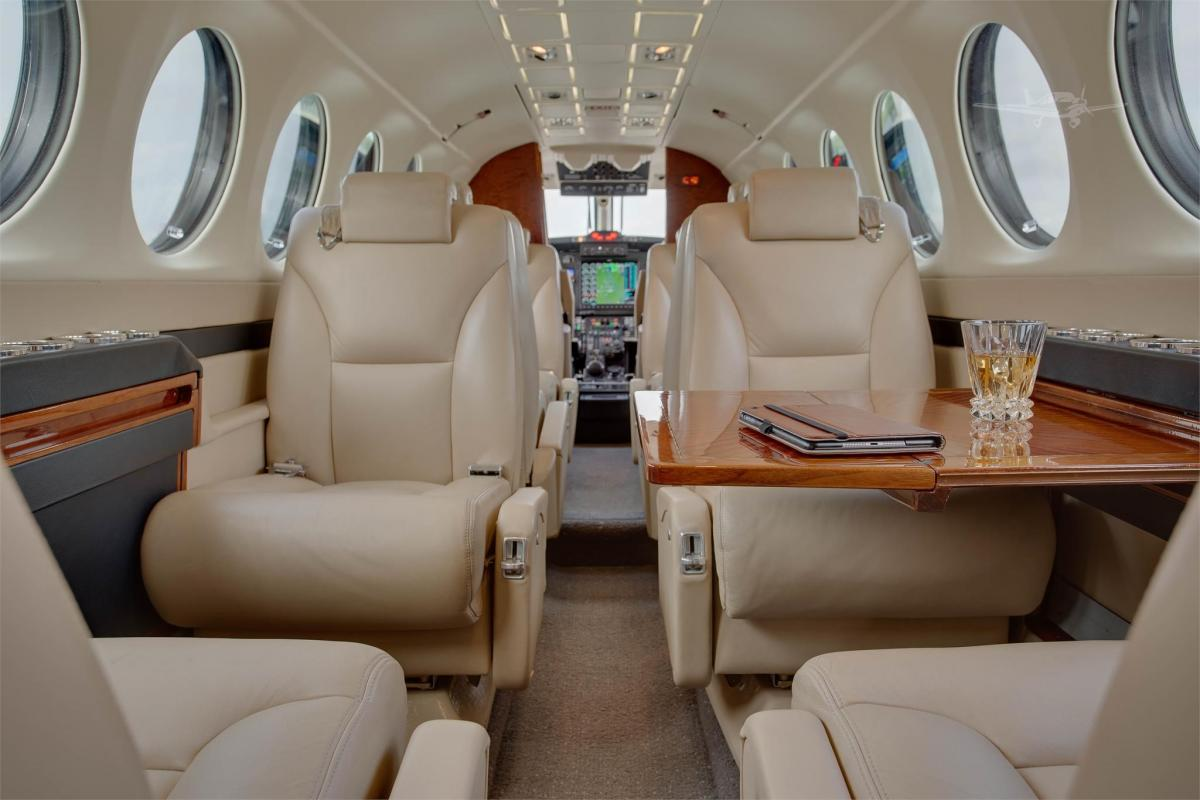 1998 BEECHCRAFT KING AIR 350 Photo 3