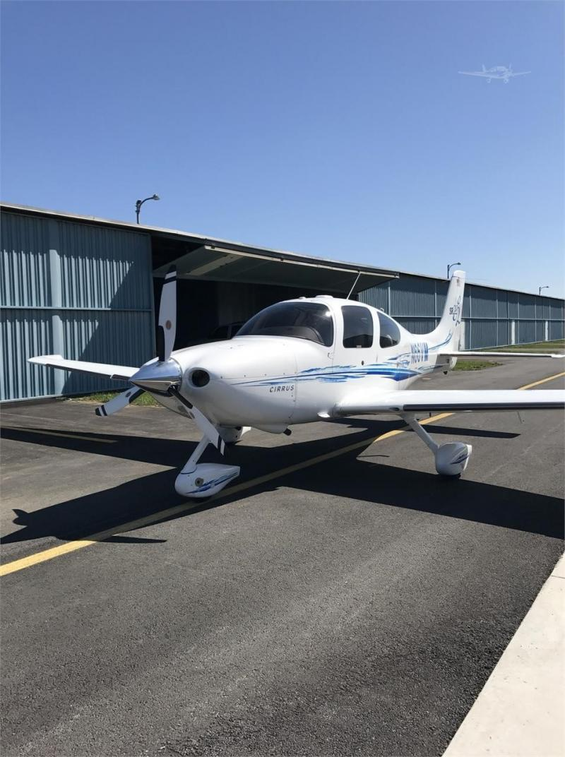 2005 CIRRUS SR22-G2 Photo 2